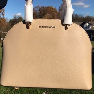 🌟NWT Michael Kors Emmy Large Dome Satchel🌟